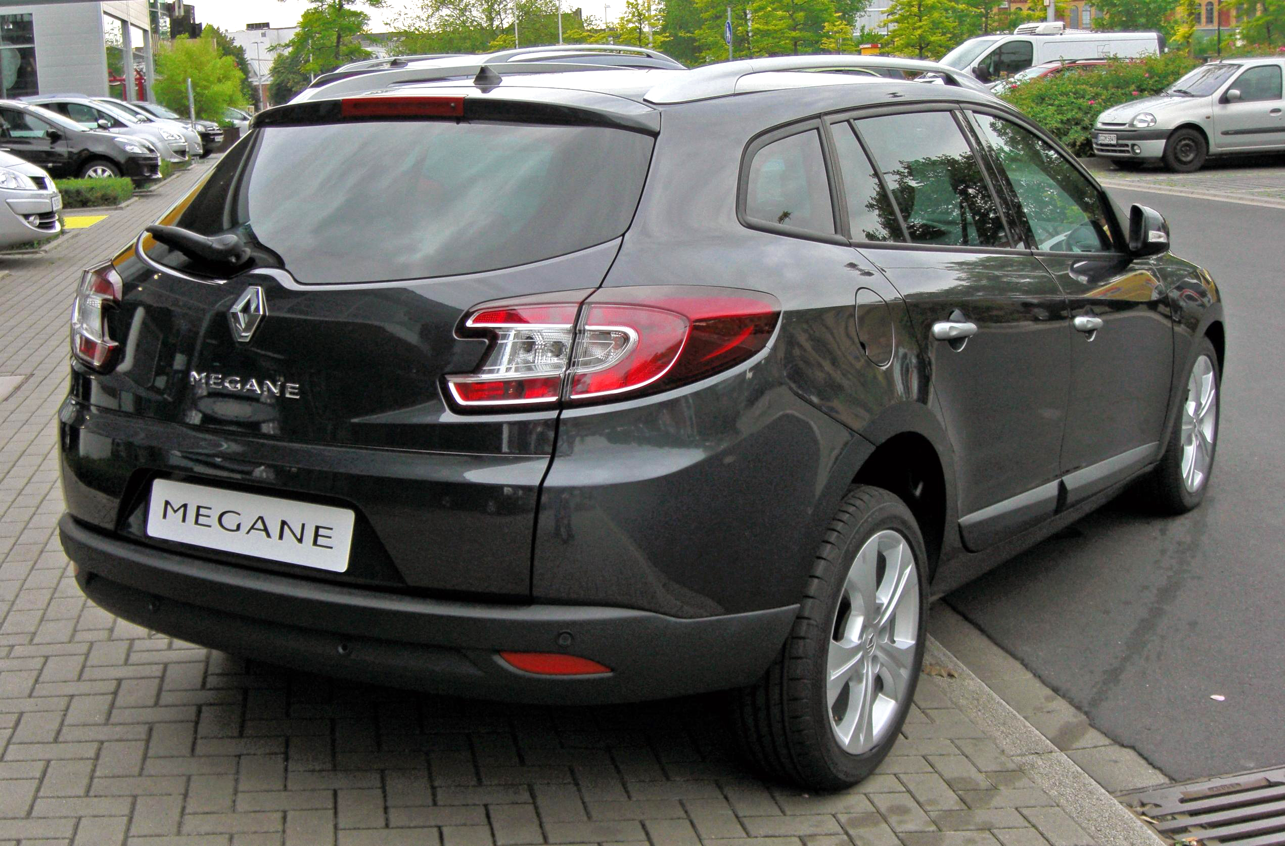 Car Rentals Unlimited Mileage Use the form below to contact car rental Renault Megane III Kombi BOSE ...